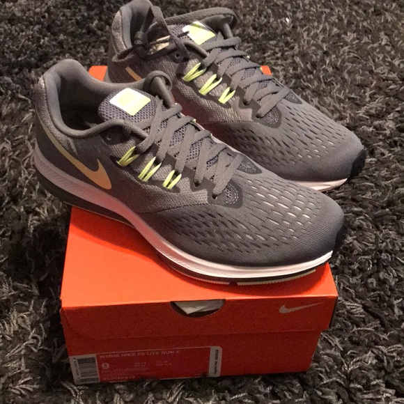 90a4800db7ec5 Women s Nike Zoom Winflo 4 Running Shoe